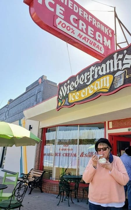 eating ice cream in front of Niederfranks